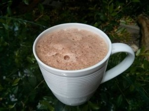 Hot cocoa with dates & almond milk